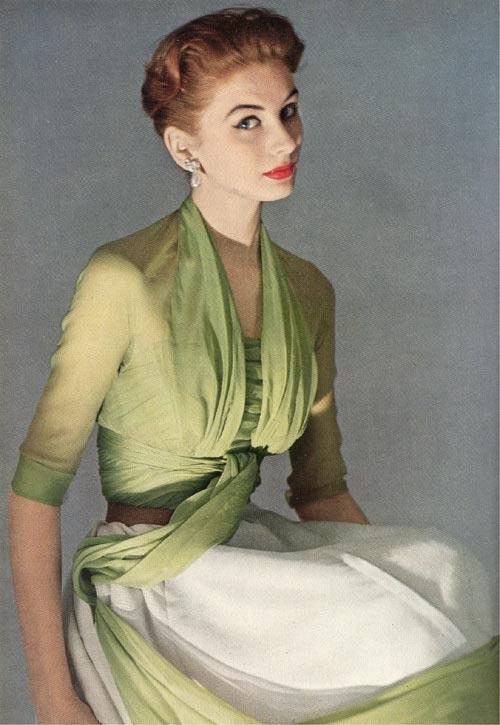 klänningar för vuxna kvinnor