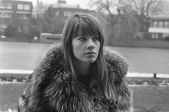 800px-Francoise-hardy-amsterdam-1969-ii
