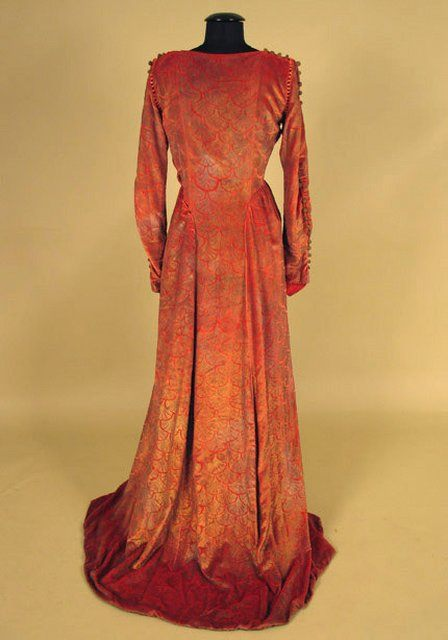 CW_Lot 665_Gallenga velvet gown2